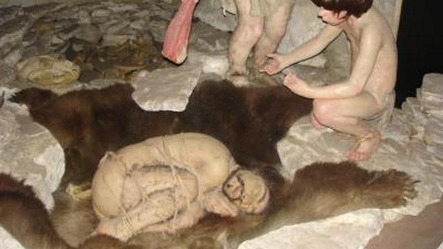 Neanderthal Cave Burials