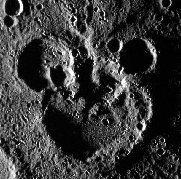 Mickey Mouse Crater On Mercury Things Happening In Space