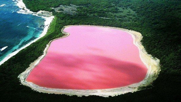 Lake Retba, Senegal secret places on earth impossible to visit