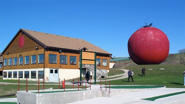 The World's Largest Apple (Canada)