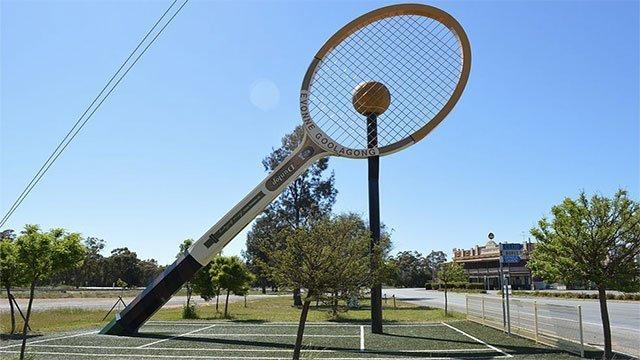 The World's Largest Tennis Racket (Australia)